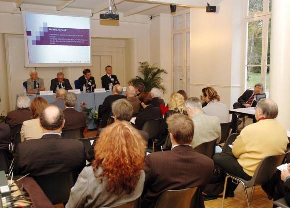 """Colloque """"Les espaces locaux de la protection sociale"""" 6, 7 et 8 février 2003, Bordeaux"""